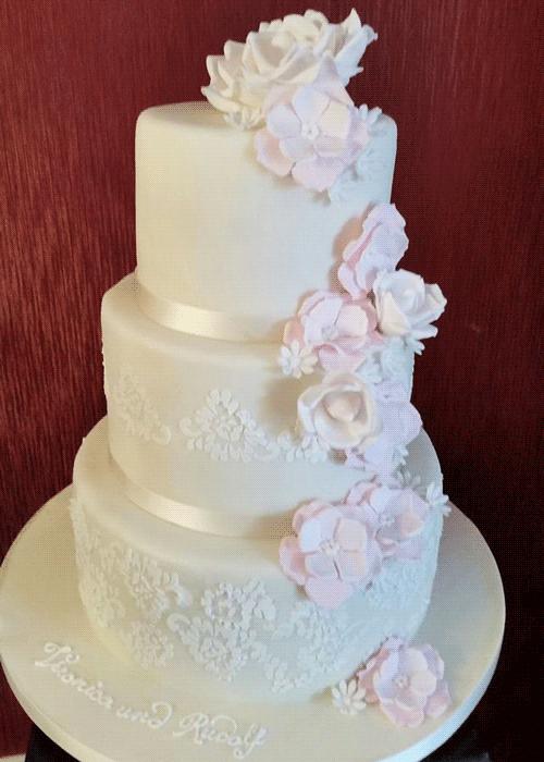 Individuelle Hochzeitstorte Tortenmanufaktur Schatzle In Koln